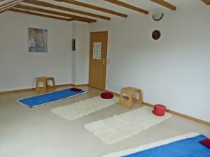 Yogaraum mit Blick zur Tür